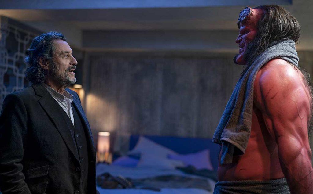 """Hellboy con """"papá"""""""