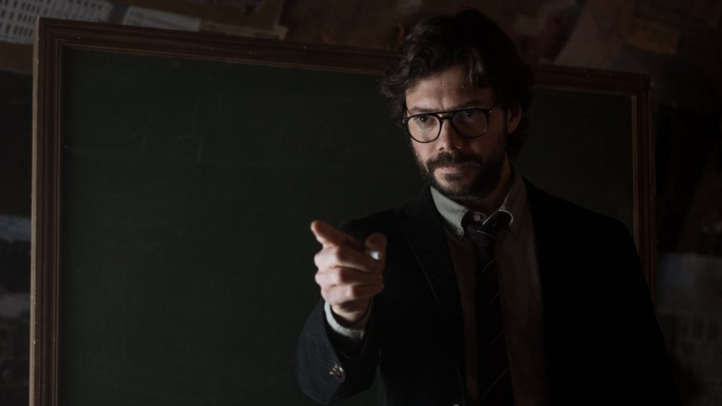 El Profesor (Álvaro Morte) vuelve a reclutar a la banda en La Casa de Papel parte 3. (Netflix)