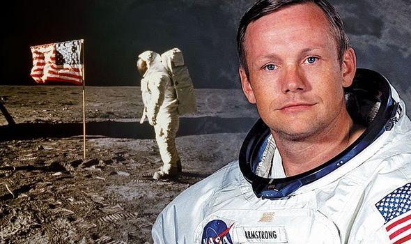 El astronauta Neil Armstrong en una foto de archivo extraído de Daily Express