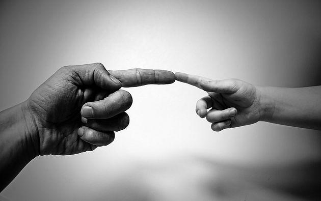 """Javier Iriondo: """"La vida es conectar con los demás para alejarnos de ser solo yo"""""""