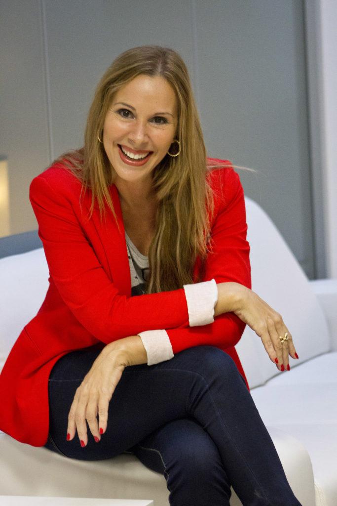 Regina Román, autora de Nací Princesa