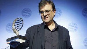 Javier Cercas al recibir el Premio Planeta