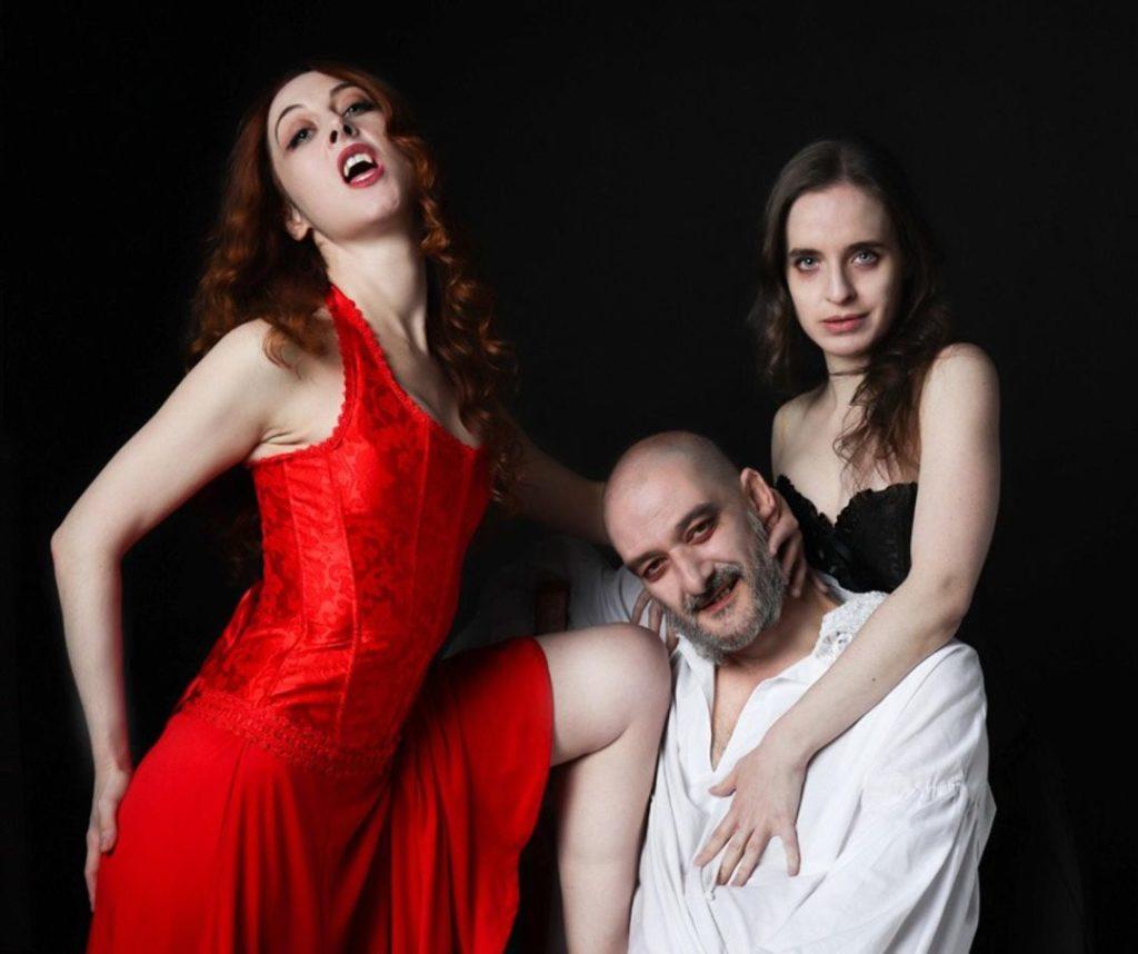 Esta versión teatral de Drácula está protagonizada por Jacobo Dicenta.