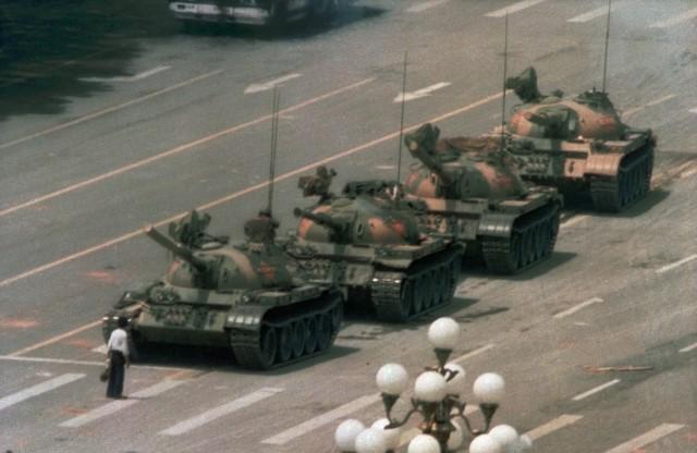 1679451 C FOTOS QUE CAMBIARON EL MUNDO I TEMPORADA5 plaza de Tiananmén