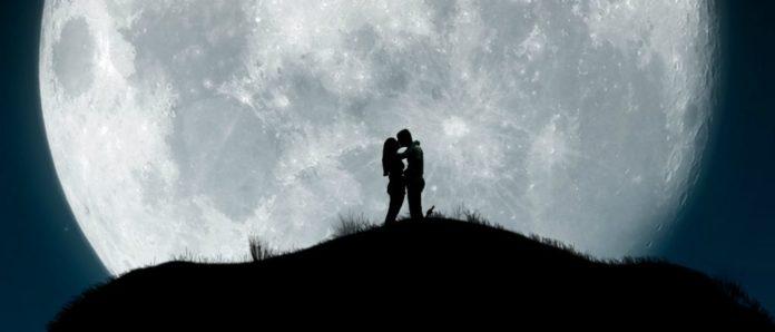 """portada para """"Nosotros en la luna"""" de Alice Kellen"""
