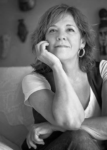 """Sylvia Lagarda-Mata, autora de  """"La sombra de Magui está aún en el jardín"""""""