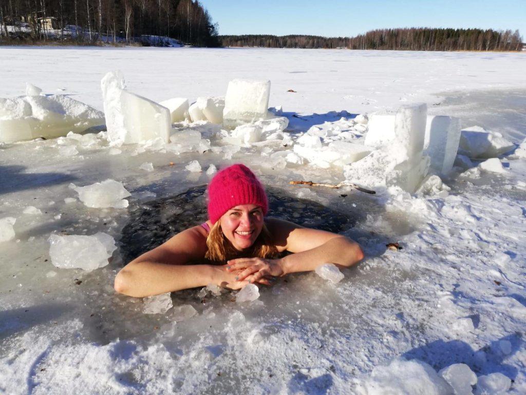 Nadando en aguas heladas