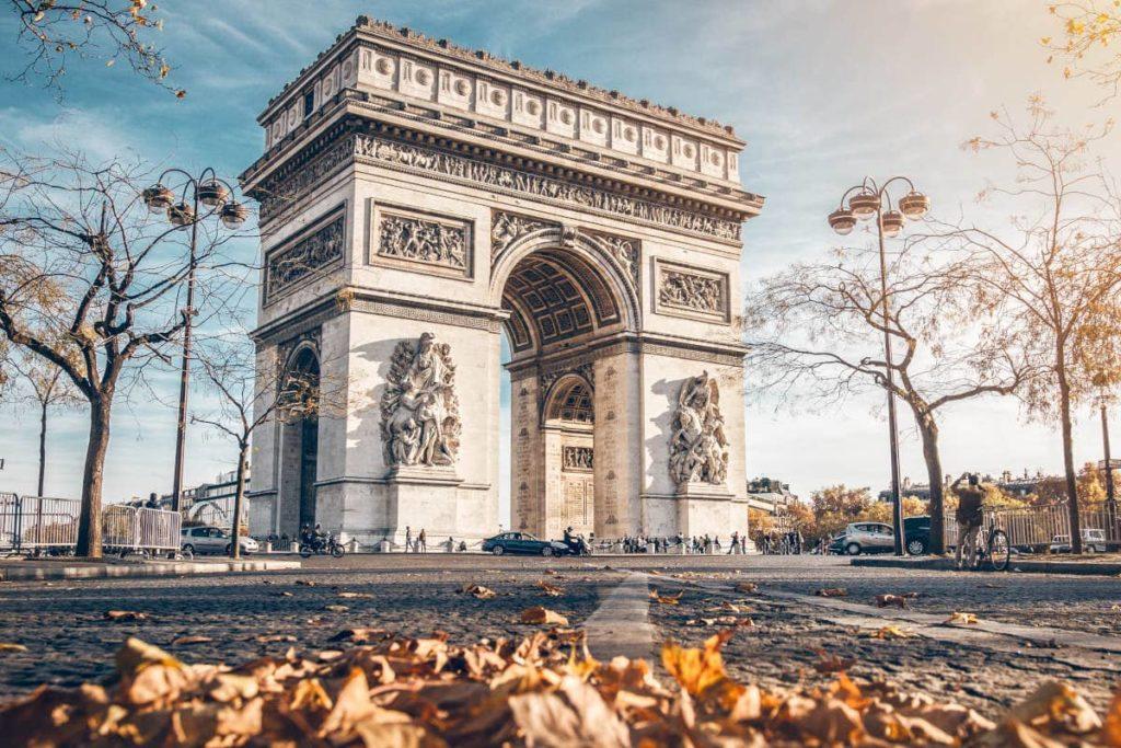 """París, escenario principal de la novela """"Esa locura llamada amor"""" de Nuria Rivera"""