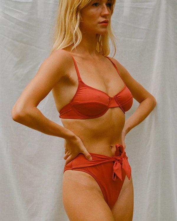 Bikini Rojo de Nenés Paris