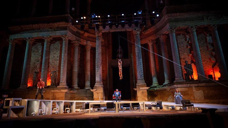 Este es un montaje moderno de la tragedia griega de Sófocles dirigido por David Gaitán