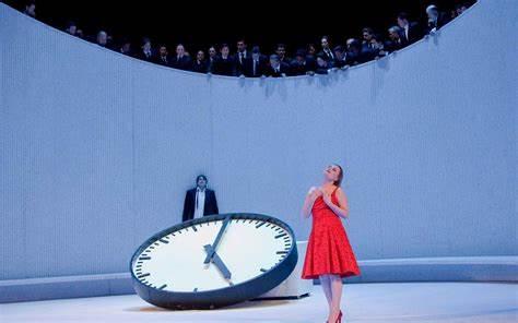 Una escena del nuevo montaje de La Traviata, en el Teatro Real