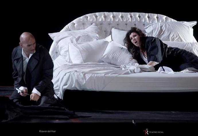 Esta producción proviene de la Nationale Opera & Ballet de Amsterdam
