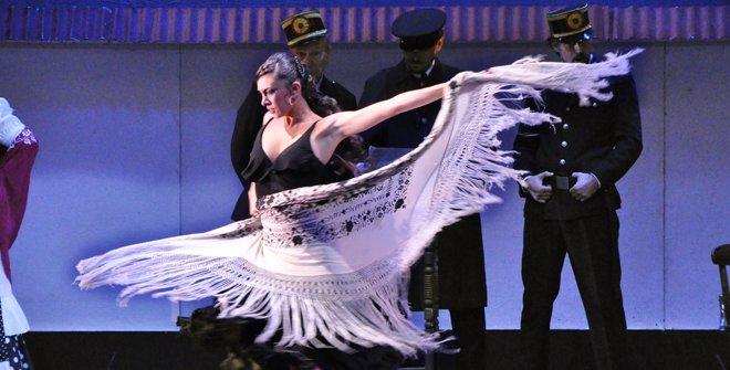 La acción de esta popular zarzuela transcurre a finales del siglo XIX, en Madrid