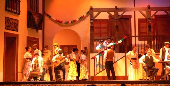 Esta producción de La Verbena de la Paloma está realizada por la Compañía Luis Fernández de Sevilla