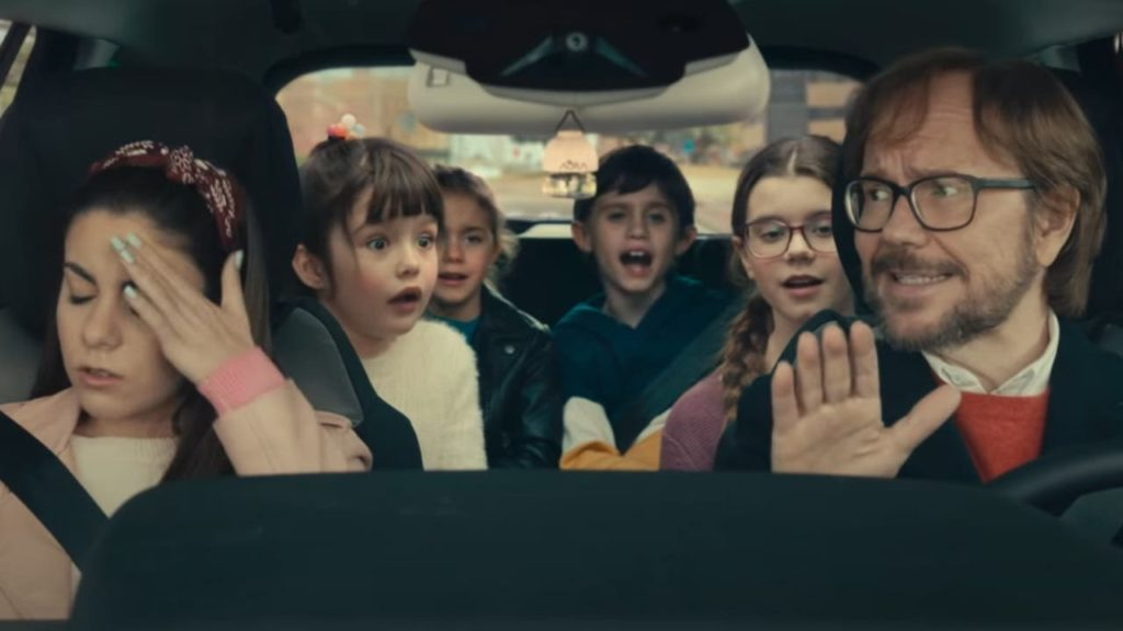 Javier y los niños en el coche