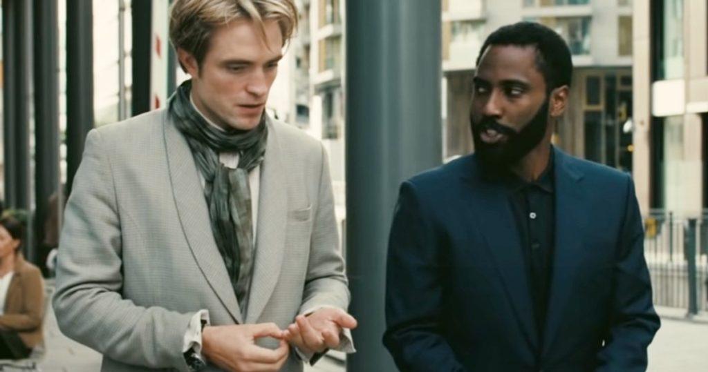 Pattinson y Washington discuten una operación
