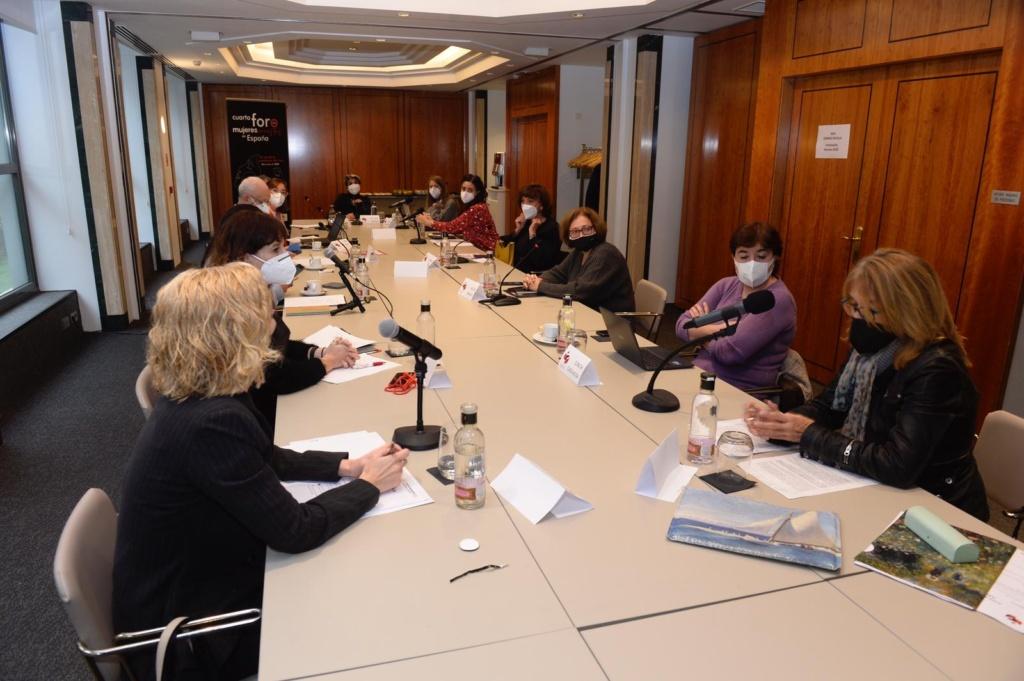 Las participantes en el IV Encuentro de Mujeres y Cine consideran necesario revisar el canon de la historia del cine y del audiovisual en los currículos educativos con el fin de hacer visible la contribución de las mujeres