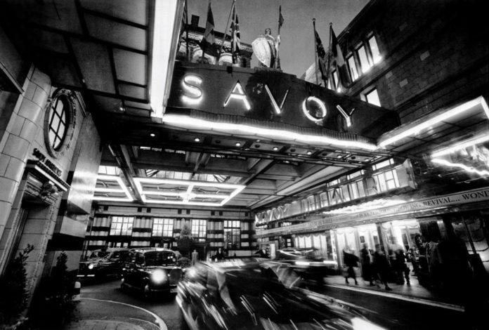 Portada de archivo para la reseña de Hotel Savoy. El destino de una familia de Maxim Wahl