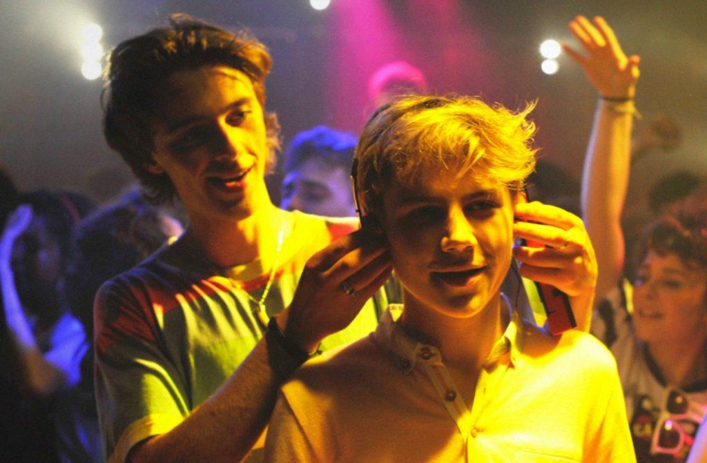 David y Alex de fiesta, descubriendo nueva música