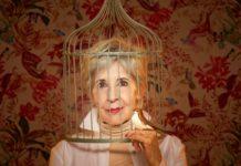 Concha Velasco se mete en la piel de la escritora Isabel Chacón, que, aquí, vive una encrucijada