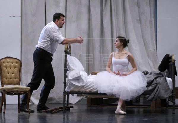 La protagonista de esta romántica ópera es una mujer extraña y silenciosa