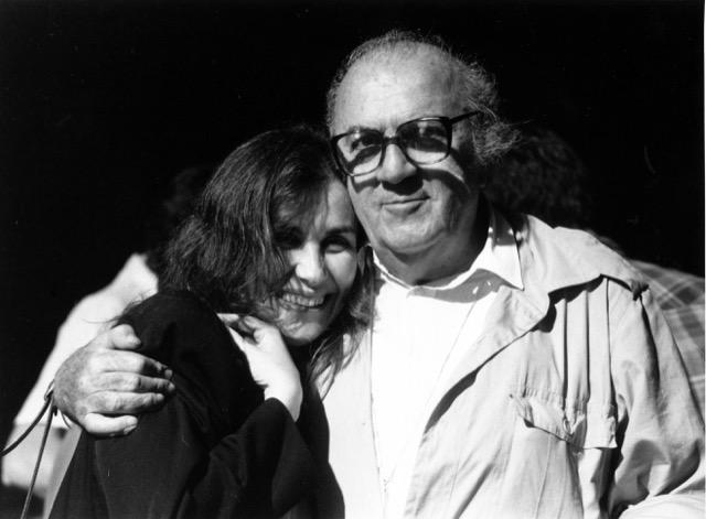 Fellini con una amistad