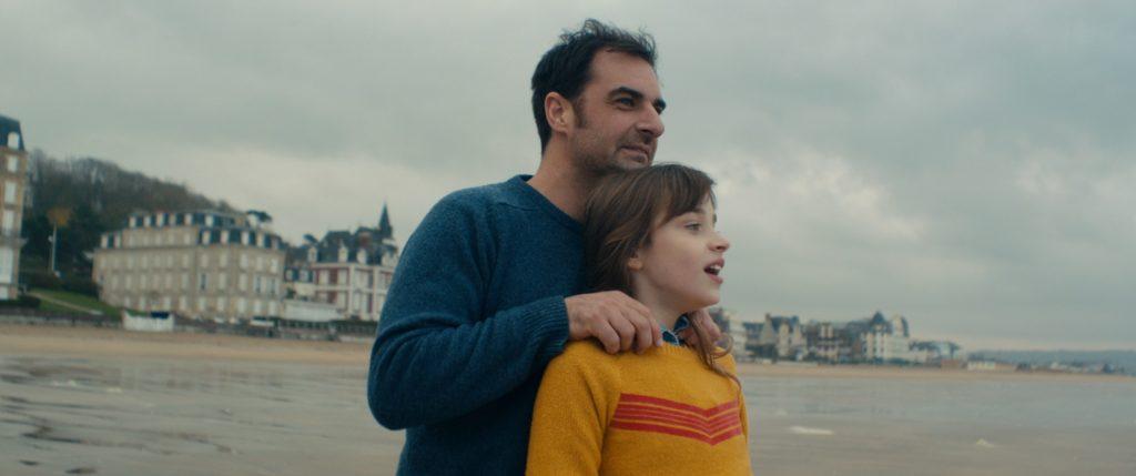 Guillaume y Léa en la playa