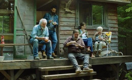 Charlie, Steve, Tom, Rafaëlle y Marie-Desneige, un abigarrado grupo que comparte el secreto de unos habitantes del bosque