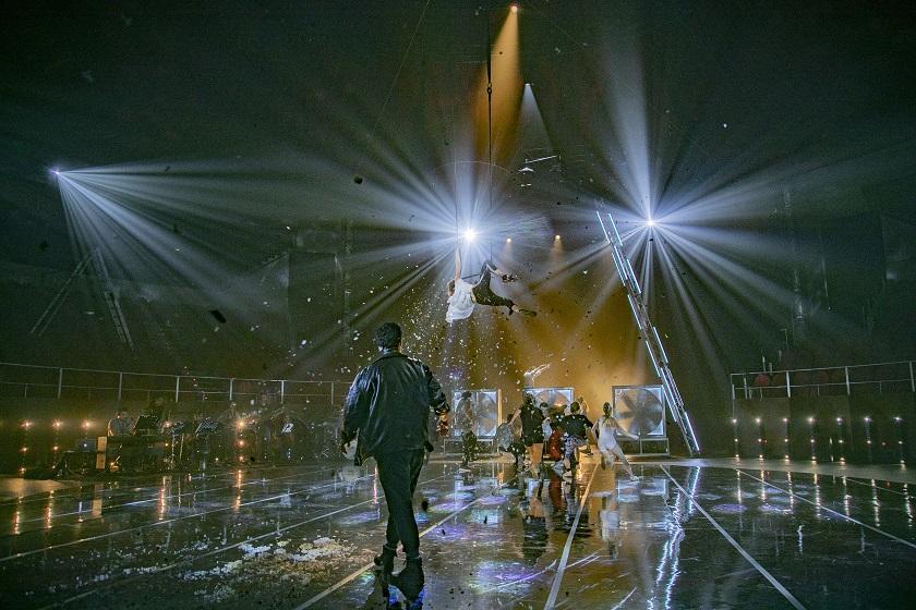 El elenco de artistas está formado por jóvenes profesionales de la compañía LaJoven, que ha producido este espectáculo junto a Teatro Circo Price