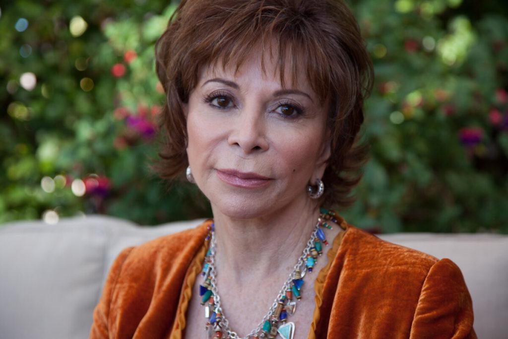La escritora Isabel Allende escribió la novela, que también fue adaptada al cine y, ahora, al teatro