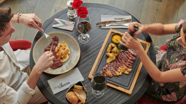 El pudding de chía es una de las opciones más saludables e incluye, también, confitería y panes de la casa y diferentes tablas de embutidos y quesos nacionales