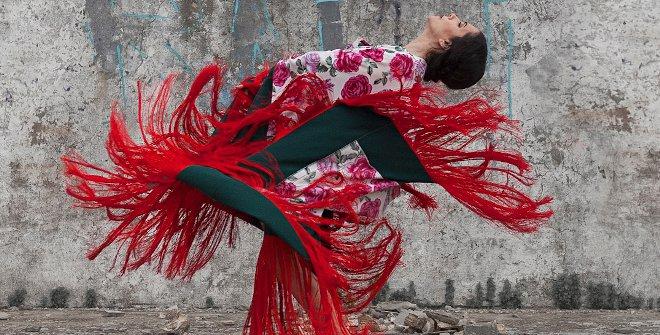 Con Al igual que tú, la nueva coreografía de Eva Yerbabuena, la bailaora busca mirar al pasado, a los espacios propios y recuperar vivencias
